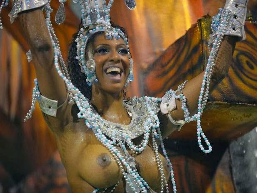 Карнавал в бразилии голые ролики онлайн, смотреть жена поймала мужа за еблей